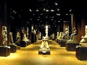 statuario del nuovo museo egizio di Torino